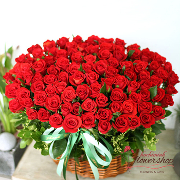 Send 99 red roses to hochiminh